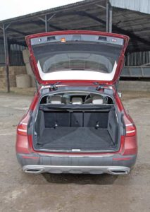 Mercedes E350d 4Matic boot