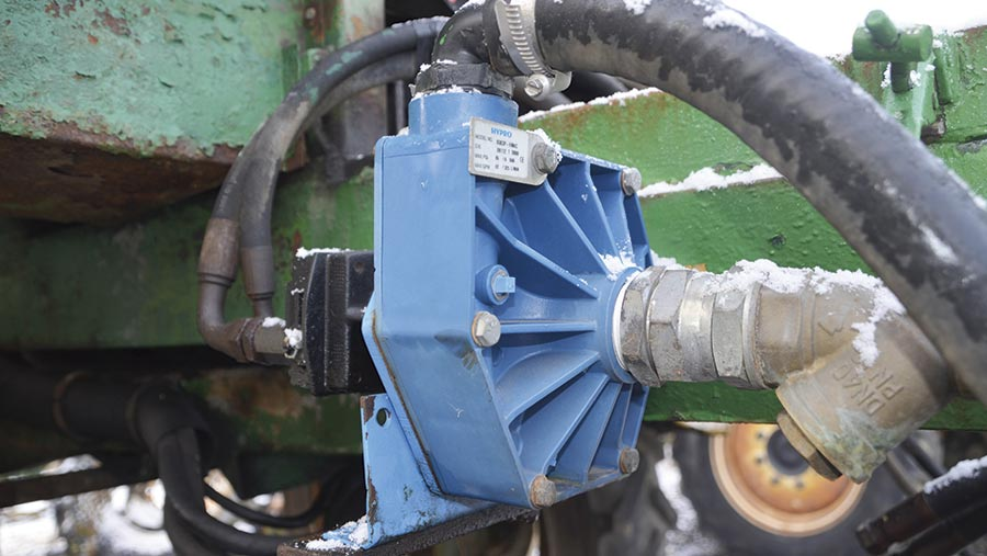 trailed sprayer hydro pump