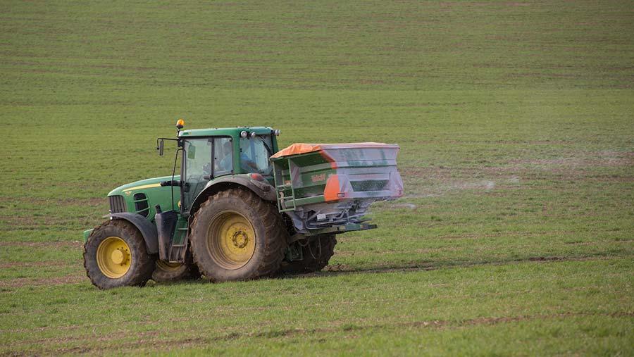 Spreading fertiliser © Tim Scrivener