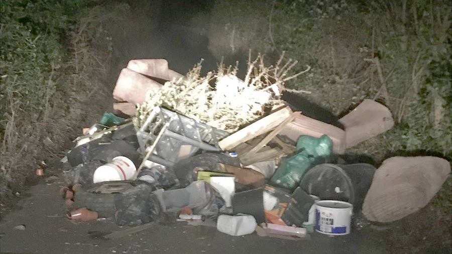 Hammonds End fly tipping