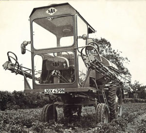Early self-propelled sprayer