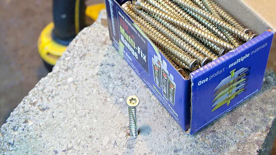 Screwfix Multi-Fix concrete screws