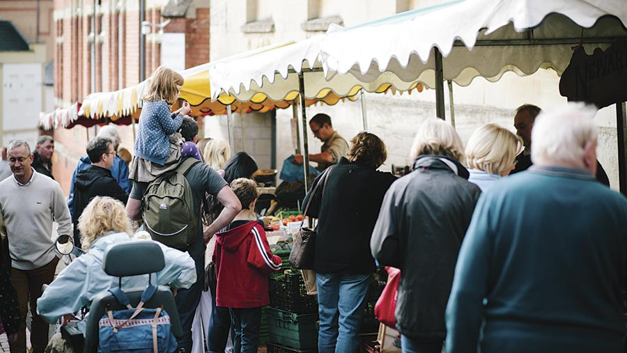 Crowds at Stroud farmer's market