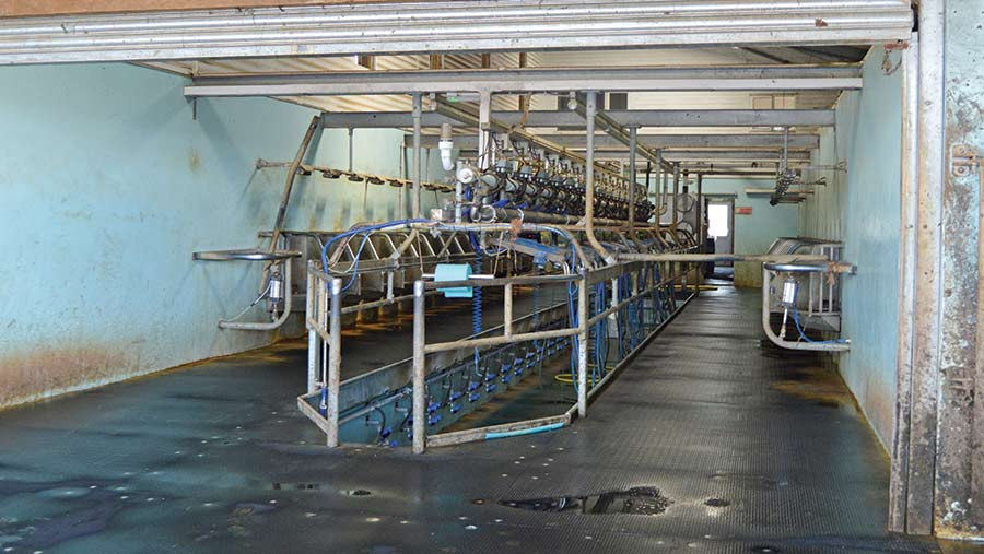 Milking parlour in new dairy