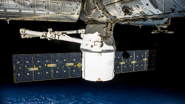 The Dragon cargo spacecraft © SpaceX