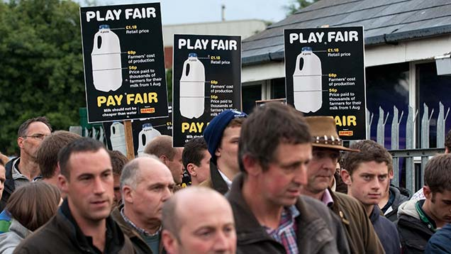 Dairy farmers protested outside Arla's Ashby de la Zouch milk plant in Leicestershire in 2012. © Tim Scrivener