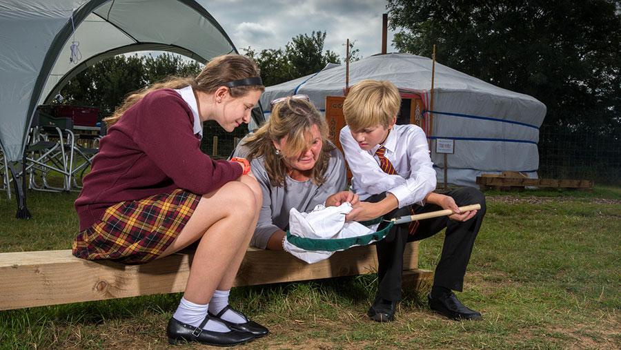 Jo Roberts talks farming with school children Elliot and Charlotte © Tim Scrivener