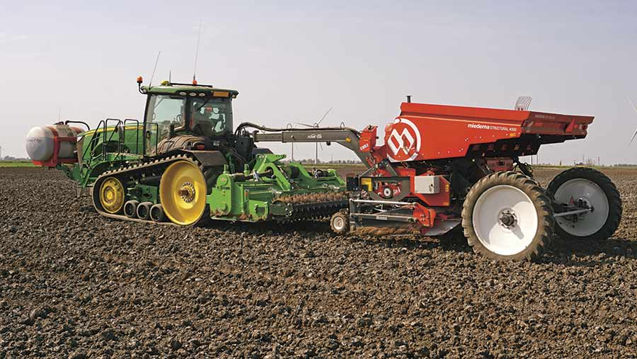 Miedema four-row belt planter © Nick Wigdahl