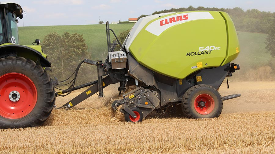 Claas Rollant 540RC © Edd-Mowbray
