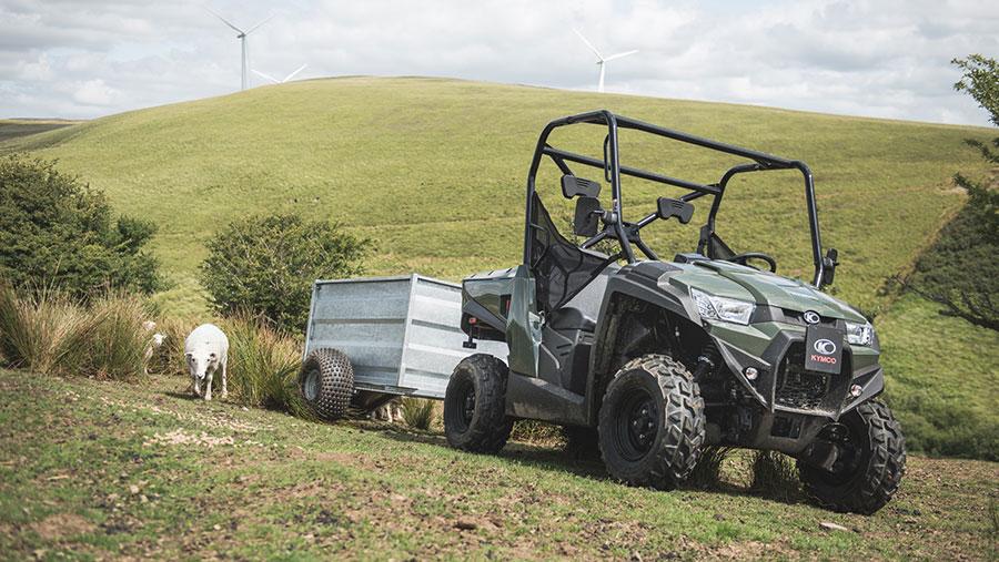 Kymco UXV 450i farm buggy