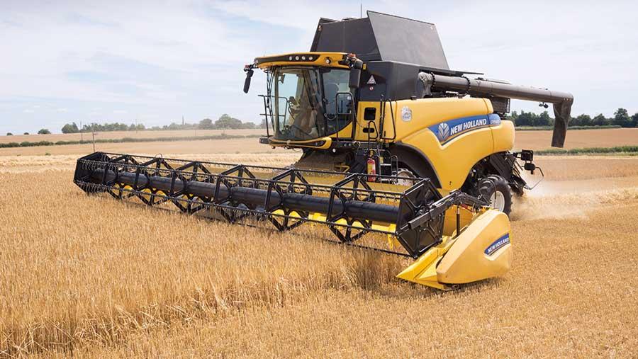 Harvesting winter barley © Tim Scrivener