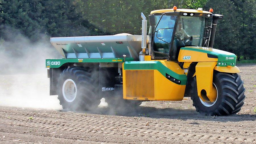 Ploeger Oxbo Group five-wheel applicator works in a field