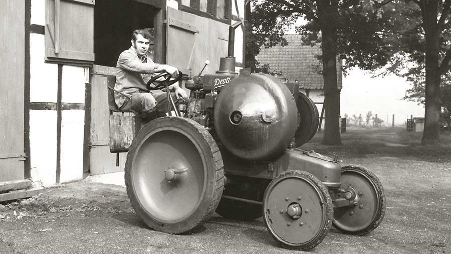 Built in 1926, this Deutz MTH222 tractor is equipped with solid rubber tyres suitable for stationary work and transport