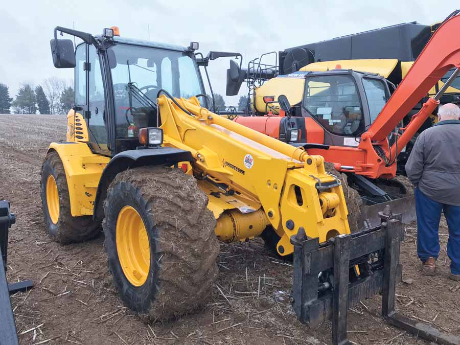 JCB TM300 pivot-steer loader