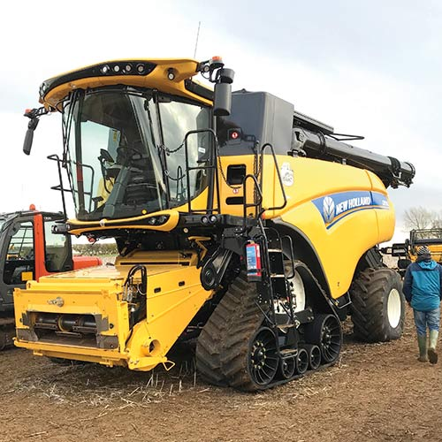 New Holland CR9.90 combine