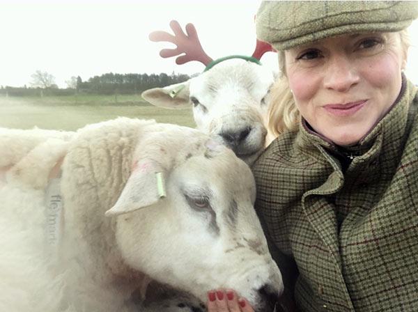 Jo Johnson Christmas selfie