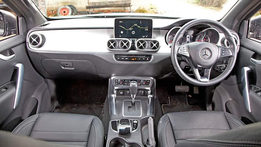 Mercedes Benz X250d interior