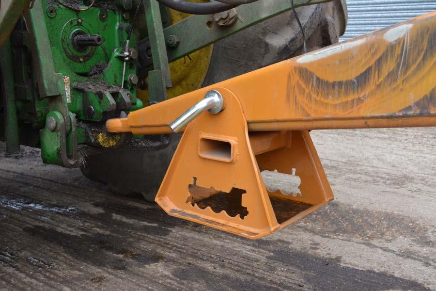 Steel stand mounted below trailer drawbar