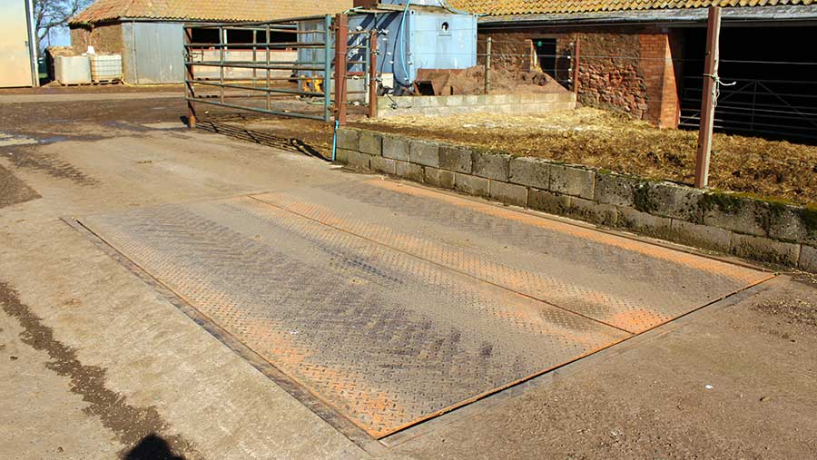 Split-cell weighbridge