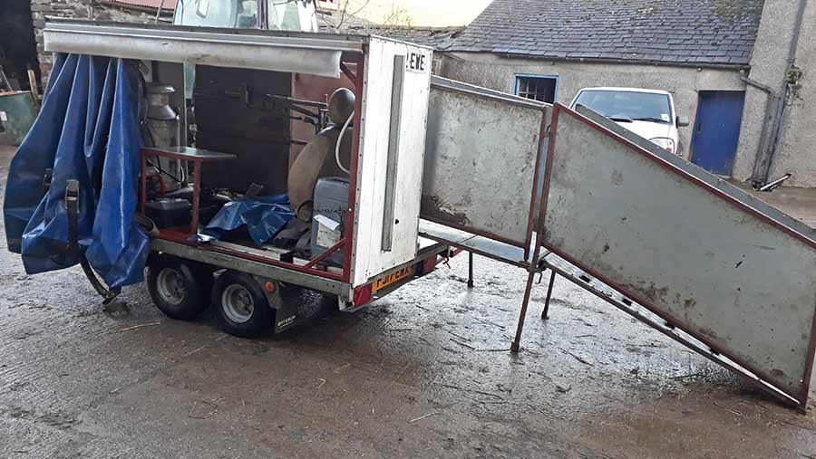 Michael Woodburn's sheep scanning trailer