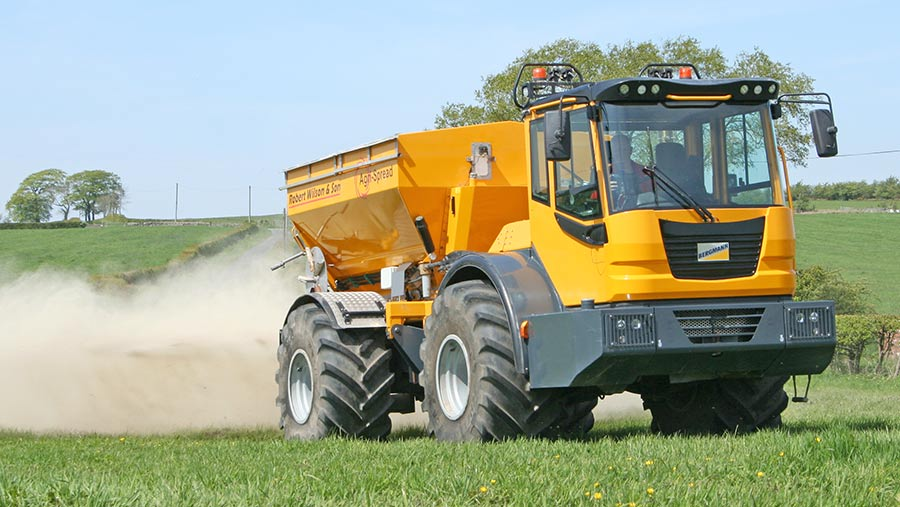 The Bergmann/Agri-Spread outfit operates at up to 26kph when conditions are ideal – rather less than that when working steep banks on the fells.