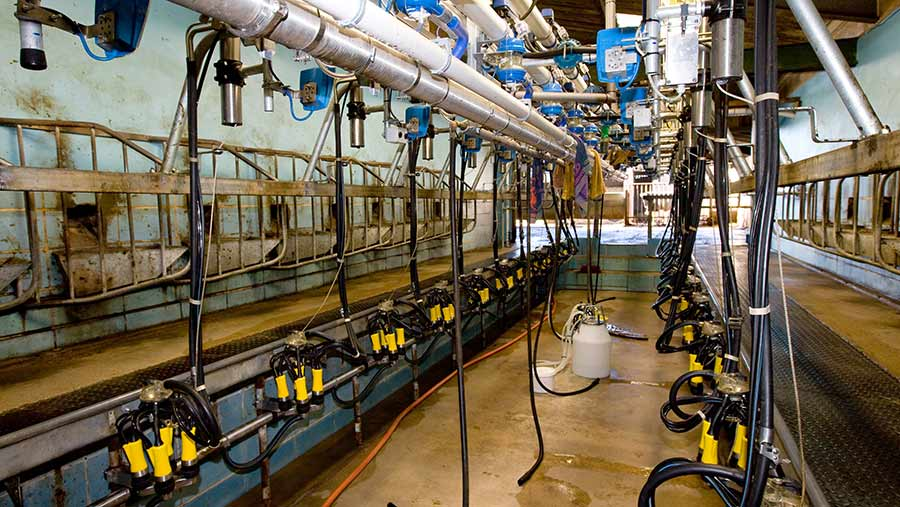 The parlour should have sufficient hot water for at least one milking © Tim Scrivener