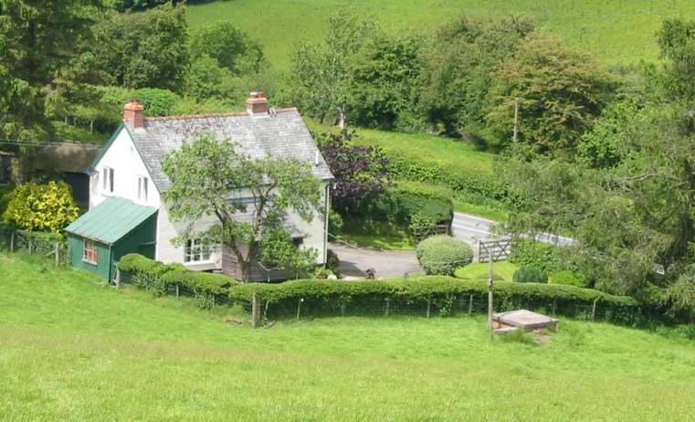 Brynawelon farm house
