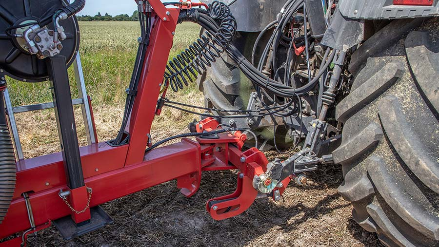 Cross-shaft on Kverneland DG II trailed disc drill
