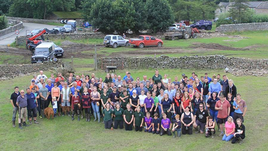 Group photo of young farmer volunteers