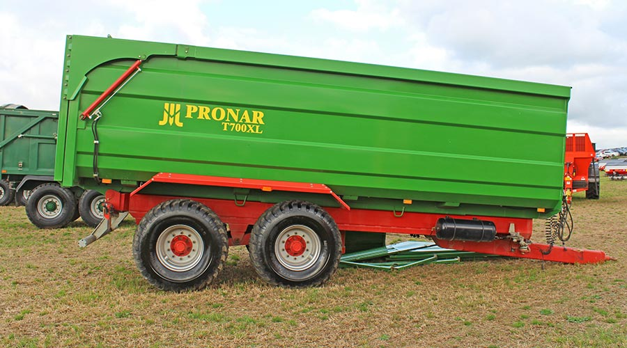 Pronar T700XL at auction