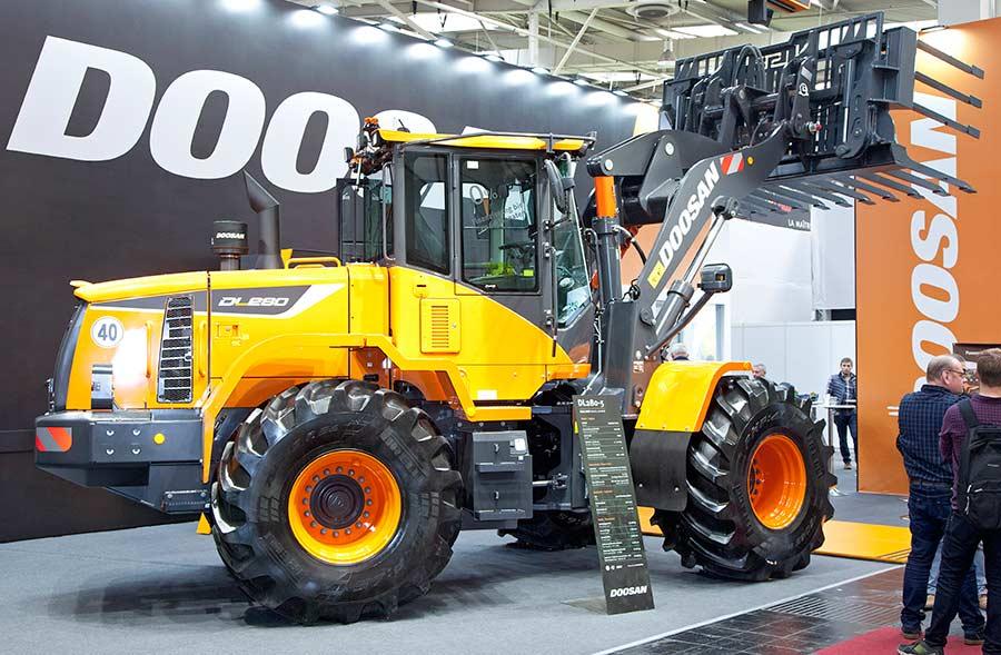 Doosan DL280 loader