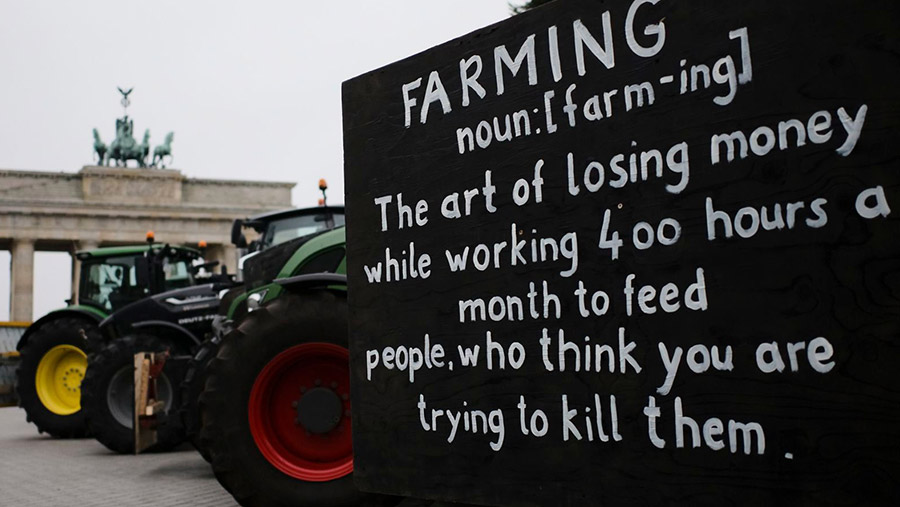 Sign at Berlin farmers' protest