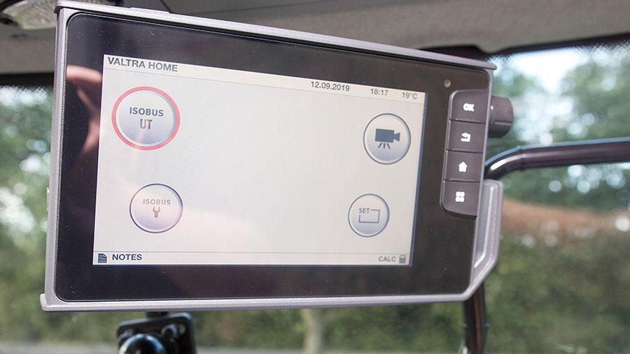 Valtra T174EV touchscreen