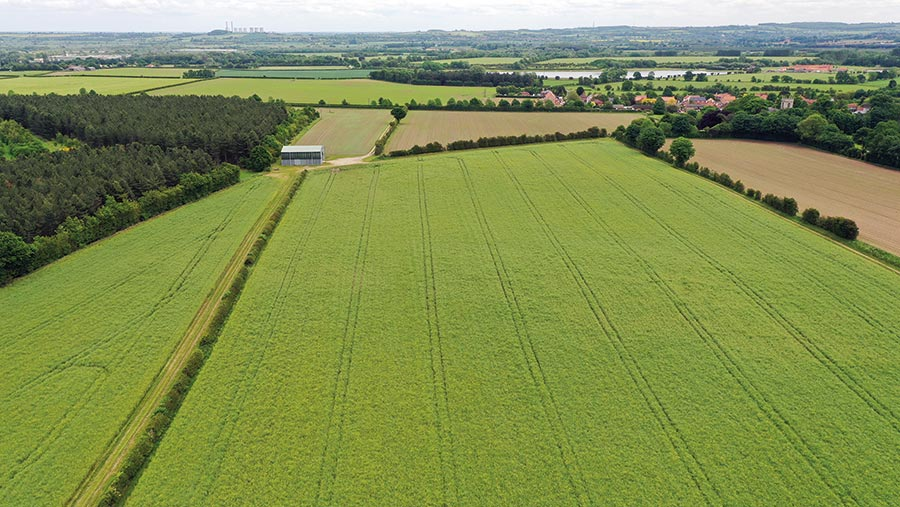 227 acres of arable land in Nottinghamshire