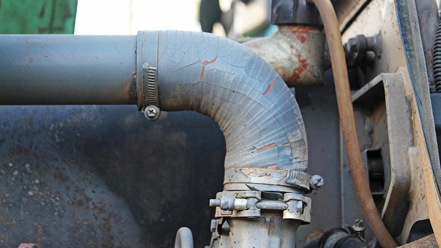 Fendt 700-series boost hose