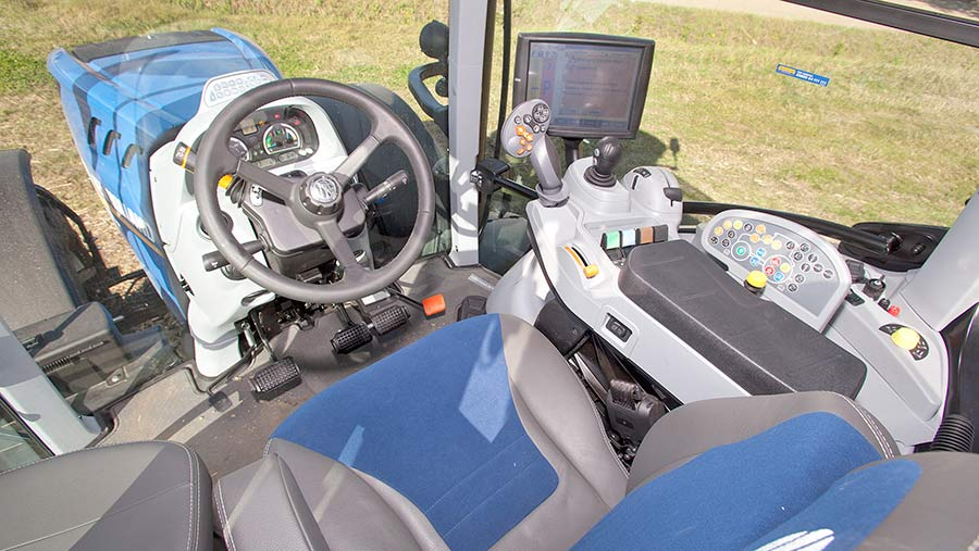 New-Holland T7.230 cab