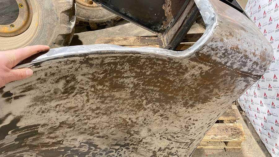 Corrosion around engine pod