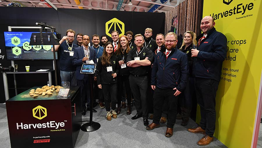 Group photo to celebrate the HarvestEye tie-up