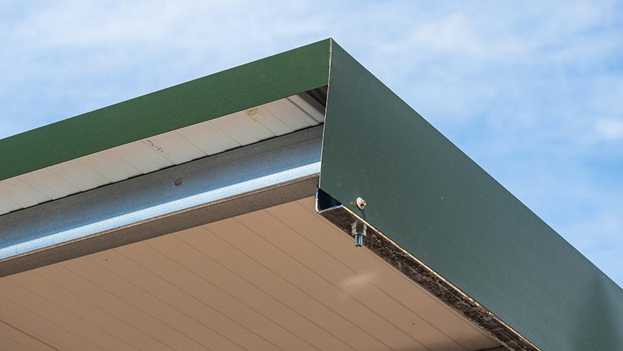 Pen roof
