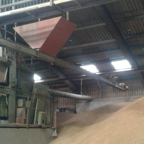 Phil Metcalfe's suspended grain conveyor