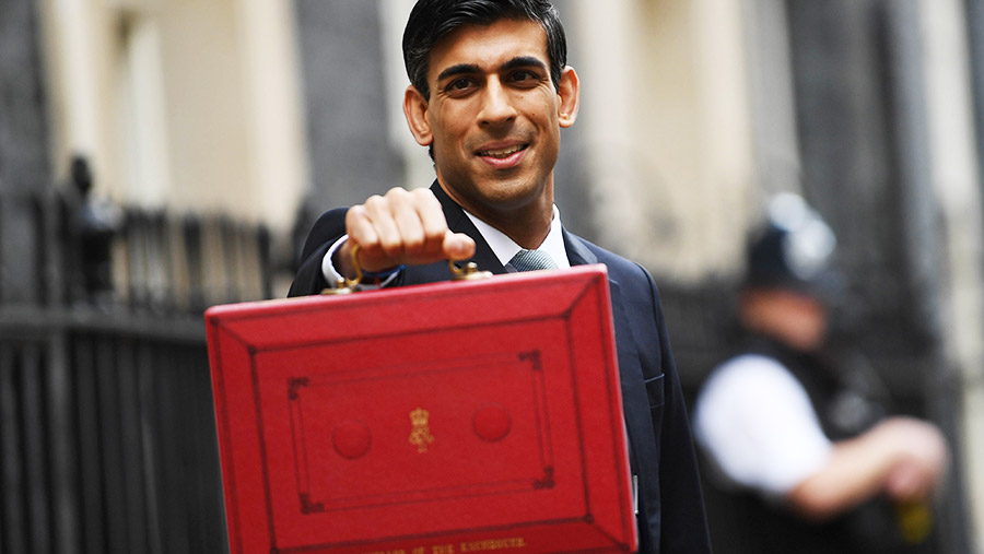 Chancellor of the Exchequer Rishi Sunak on budget day © NEIL HALL/EPA-EFE/Shutterstock