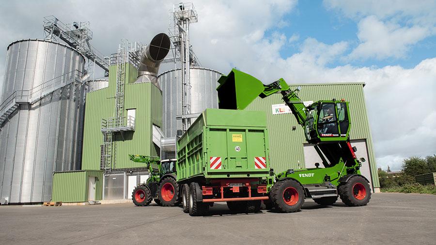 Fendt Cargo T995