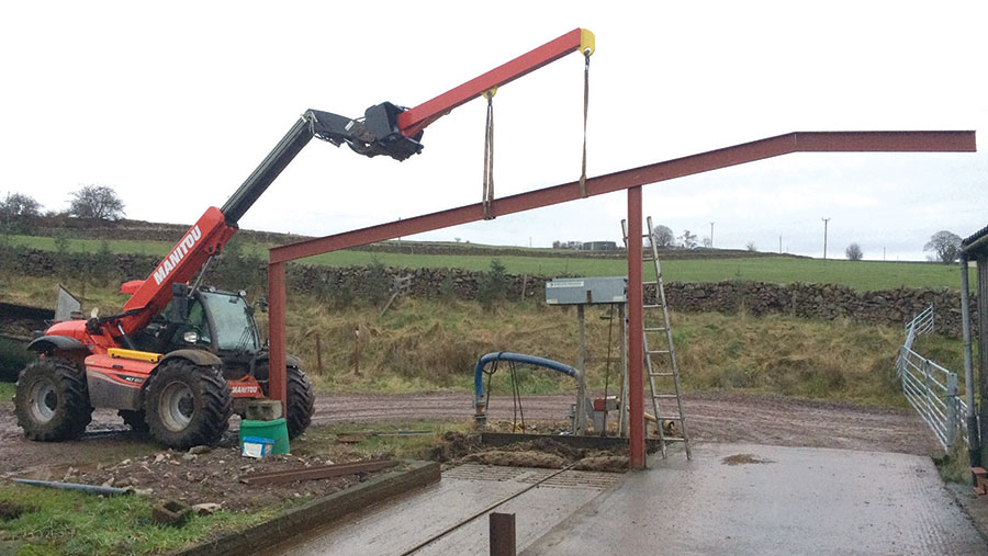 Keith Maxwell's hydraulic lifting jib