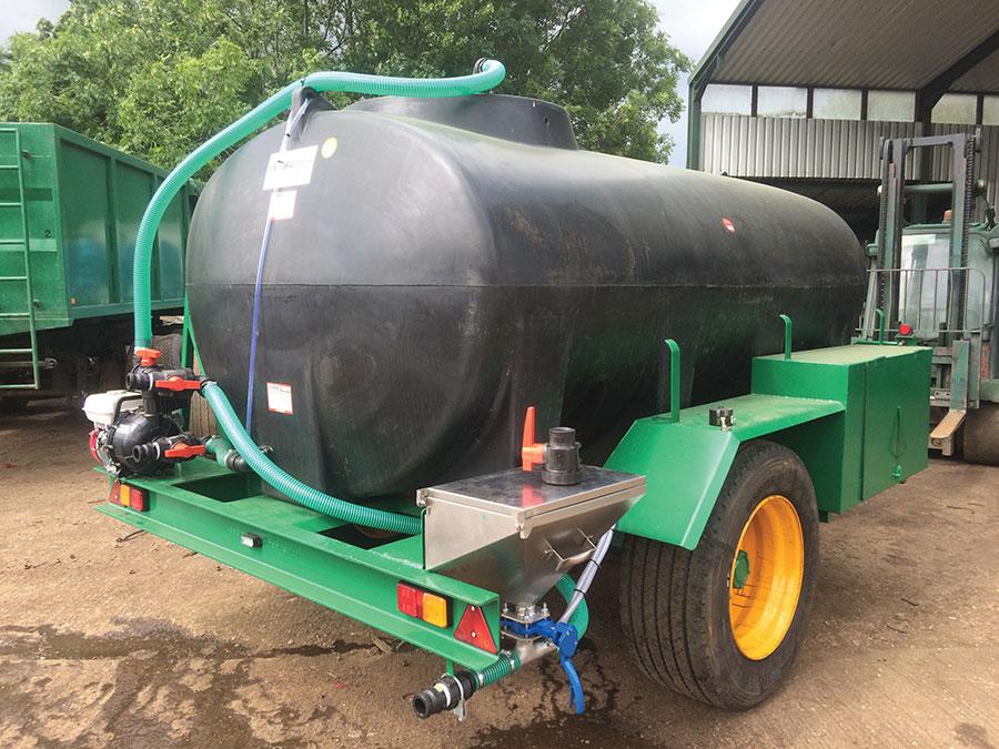 Merrick Loggin 10,000-litre bowser plus pump induction