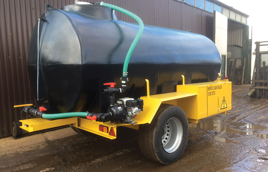 Merrick Loggin 10,000-litre bowser with pump