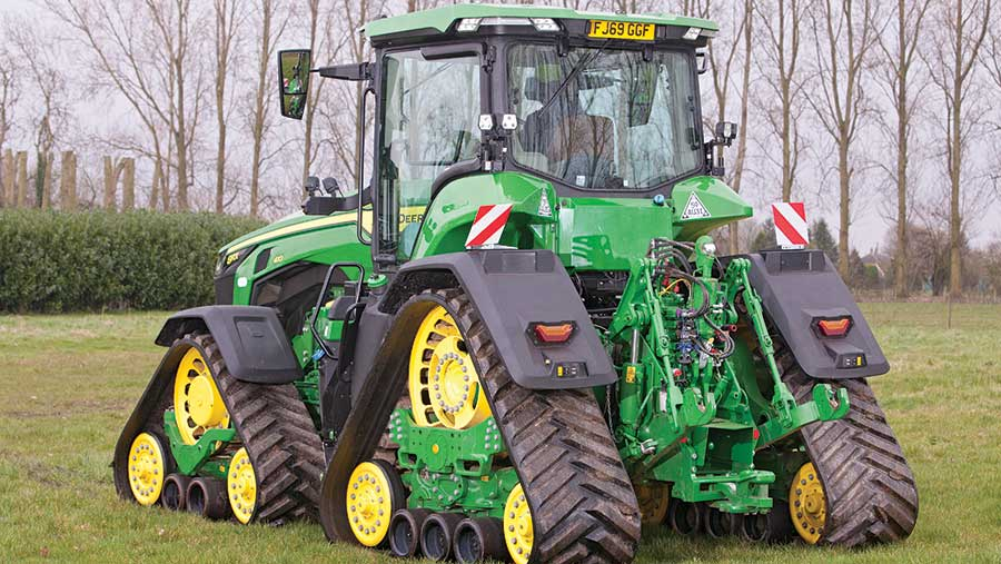 John Deere four-track 8RX © Jonathan Page