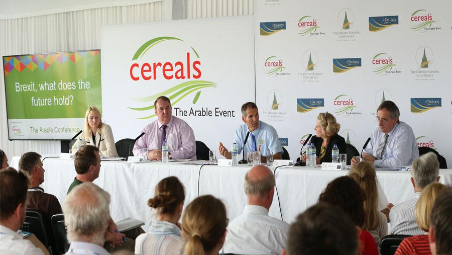 Speakers in a broad seminar