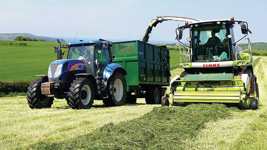 Tractor and trailer with Claas Jaguar 650 forager