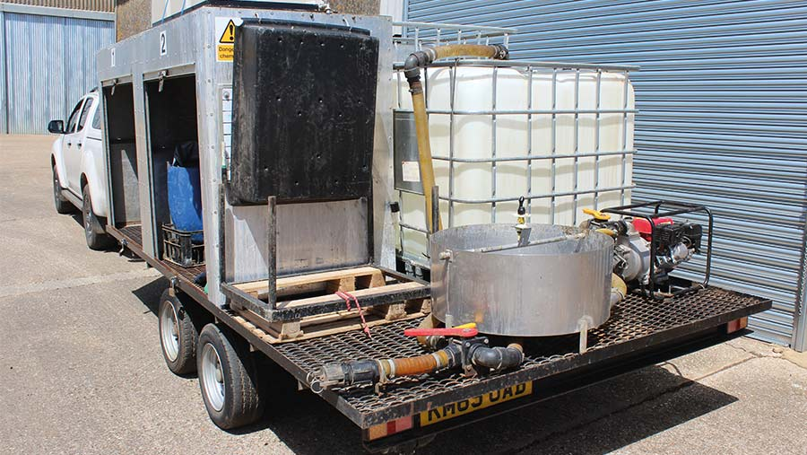 Spray trailer