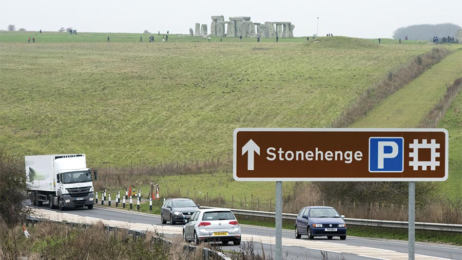 Stonehenge by the A303 | © Stephen Simpson/Shutterstock